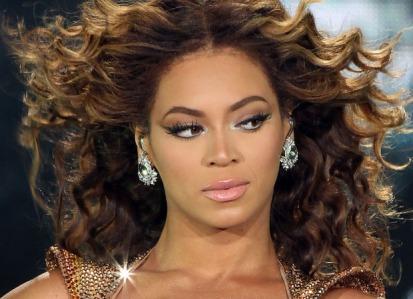 Cabelos cacheados - Beyoncé